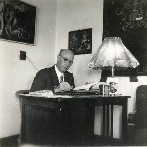 Despacho Embajada Guatemala edif La Perla.1947